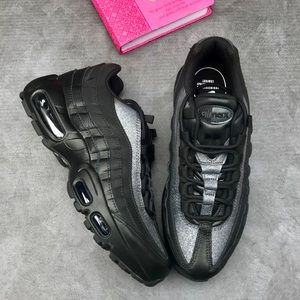Nike Air Max 95 SE Women's Size 8
